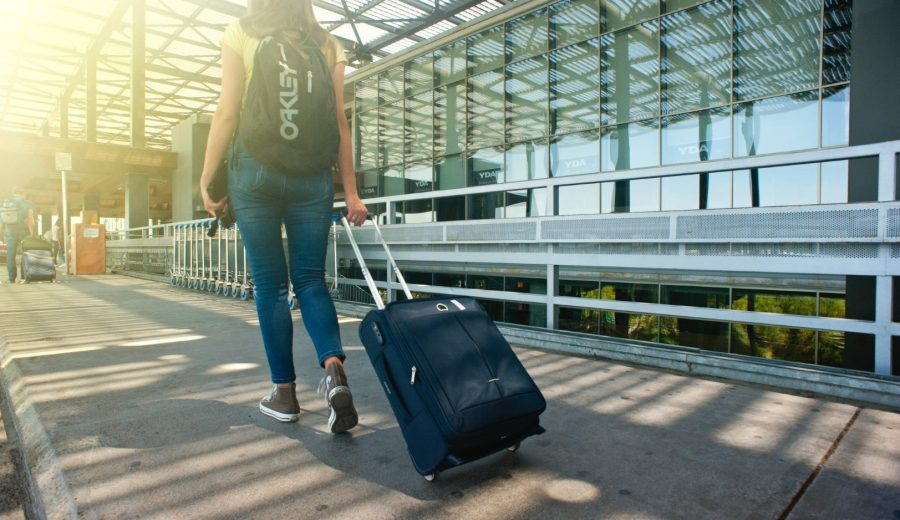 Must-Have Gadgets For The Minimalist Traveler