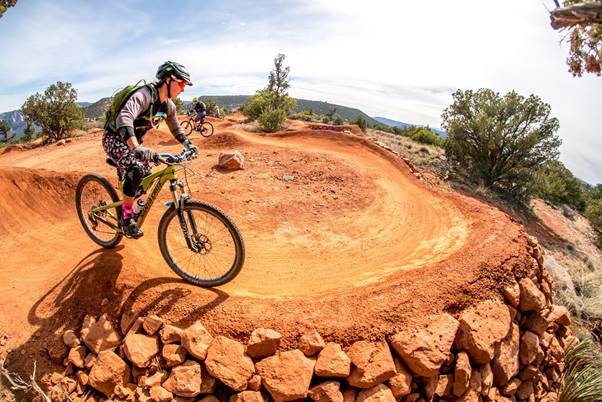 Large choice of trails and routes at Sedona Arizona