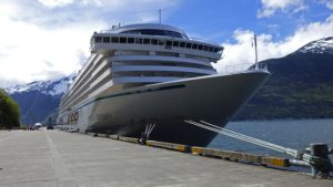 Crystal Cruises expects crew to be vaccinated