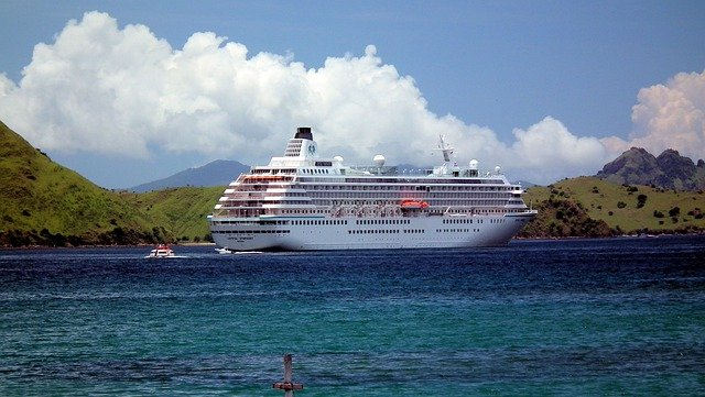 Crystal Cruises to require all guests to be vaccinated