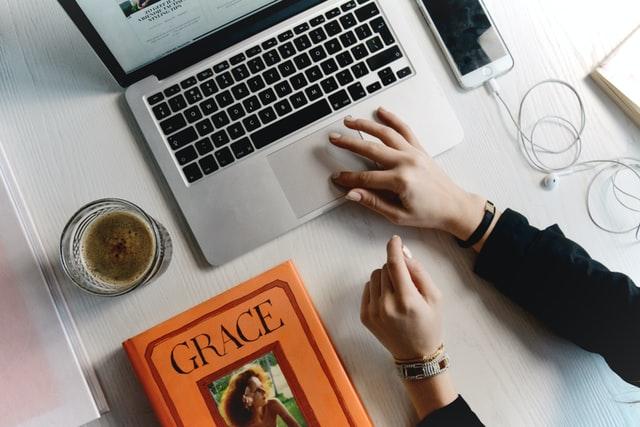 Vacation Rental Websites Design must include Simple Click Navigation